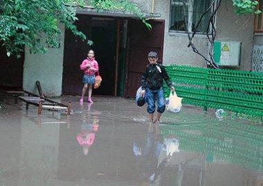 Новый Регион: Улицы Тирасполя затопило в результате проливных дождей (ФОТО)
