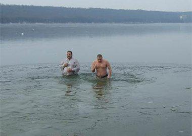 Новый Регион: Приднестровцы приняли участие в крещенском купании (ФОТО)