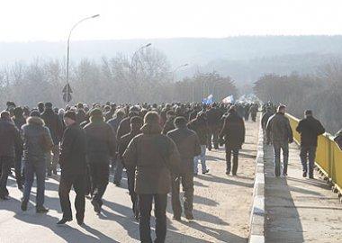 Новый Регион: Жители молдавских сел, митинговавшие у миротворческого поста №9, подрались между собой (ФОТО)