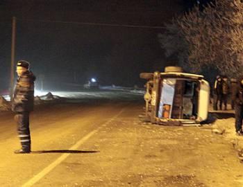 Новый Регион: В селе Ташлык ''Мерседес'' протаранил маршрутку, погибла 15-летняя девушка (ФОТО)