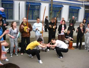 Новый Регион: В Бендерах прошло выступление мастеров капоэйры (ФОТО)